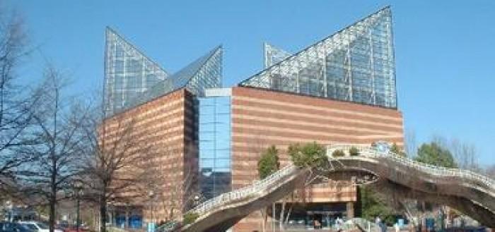 Tennessee Aquarium 50 Percent Off Admission For College